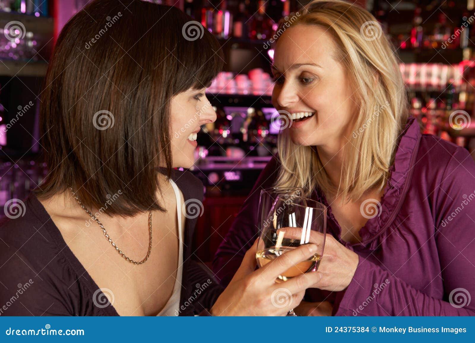 Фото с выпивающими подругами 5 фотография