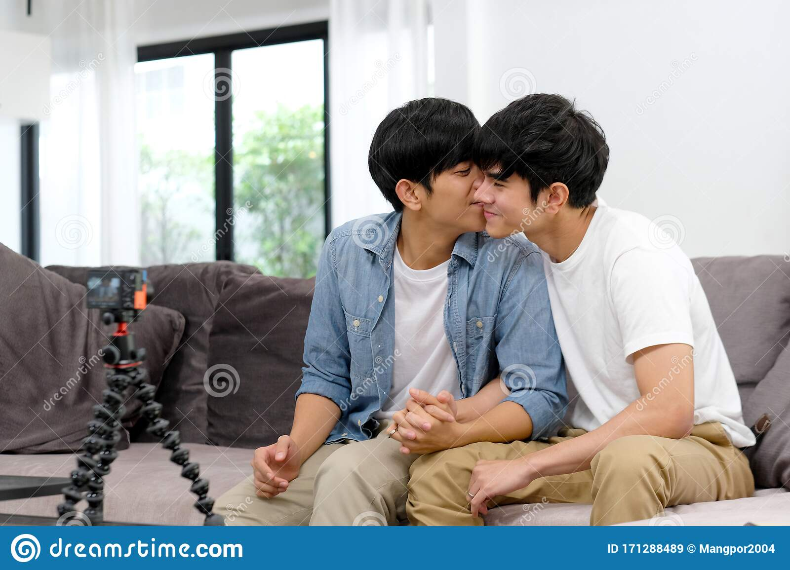 28+ Download Video Gay  PNG