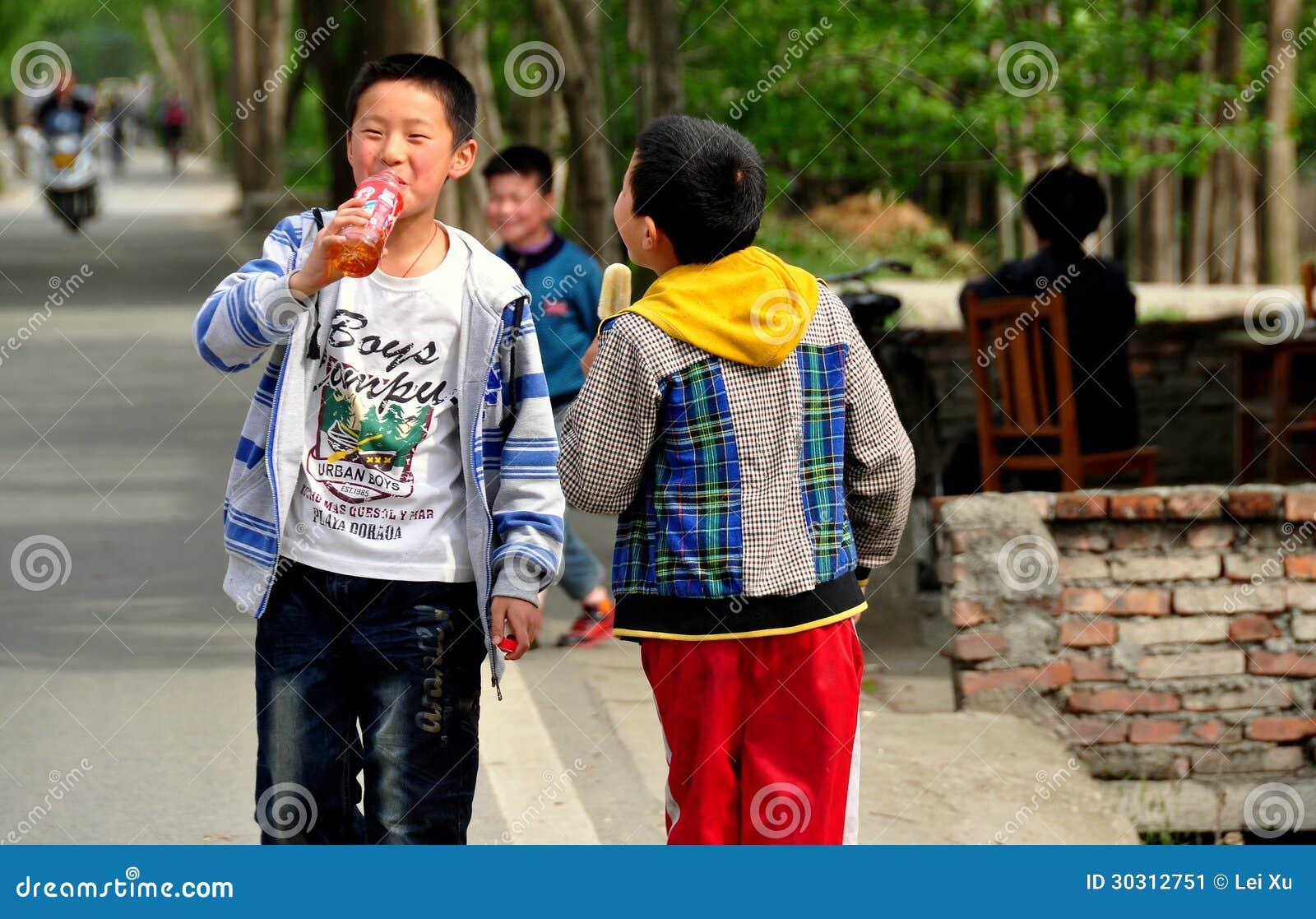Pengzhou China Two Boys Walking On Road Editorial Photo Image  # Bois En Chaene