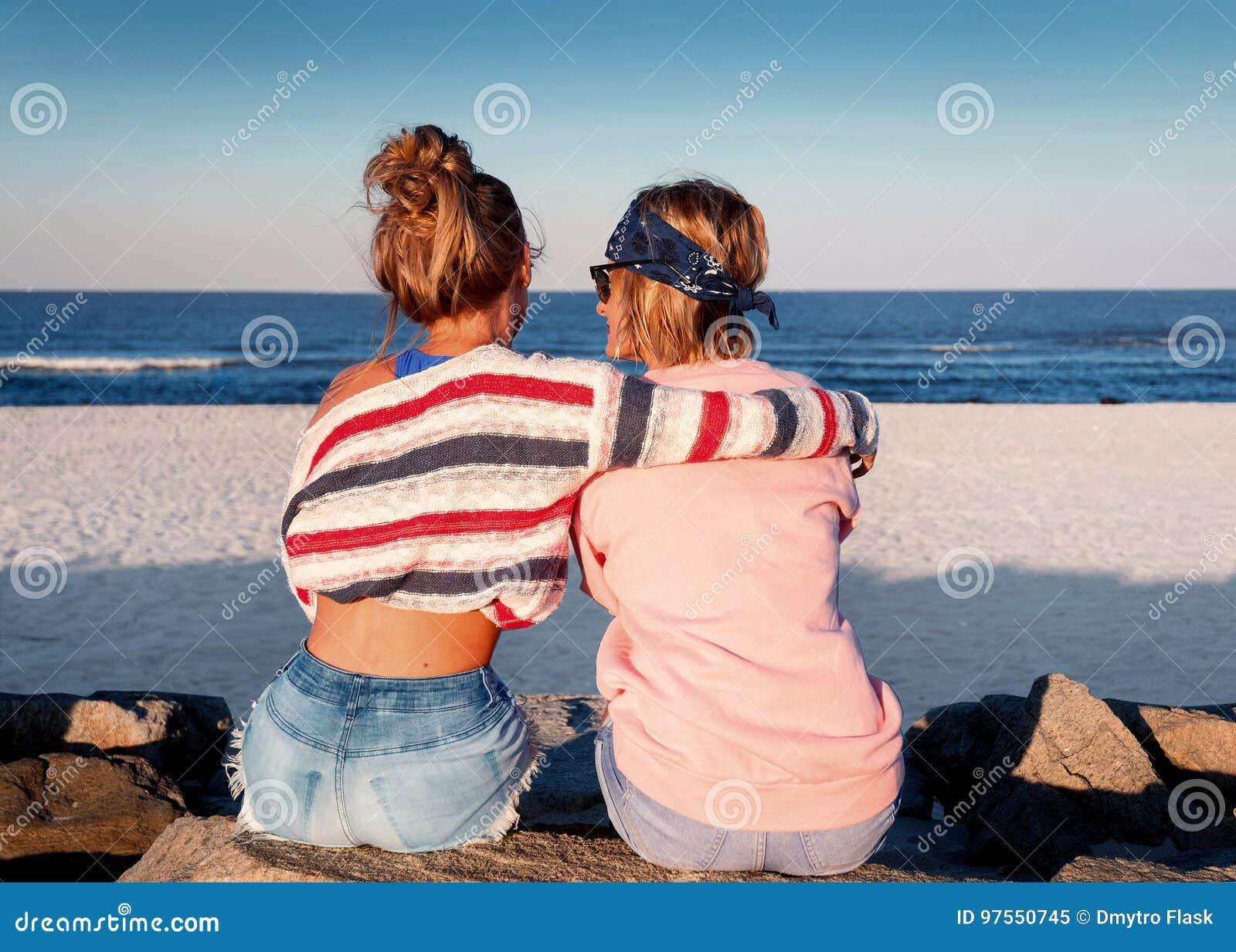 Freunde Teen Lesbian Beste The Intouchables