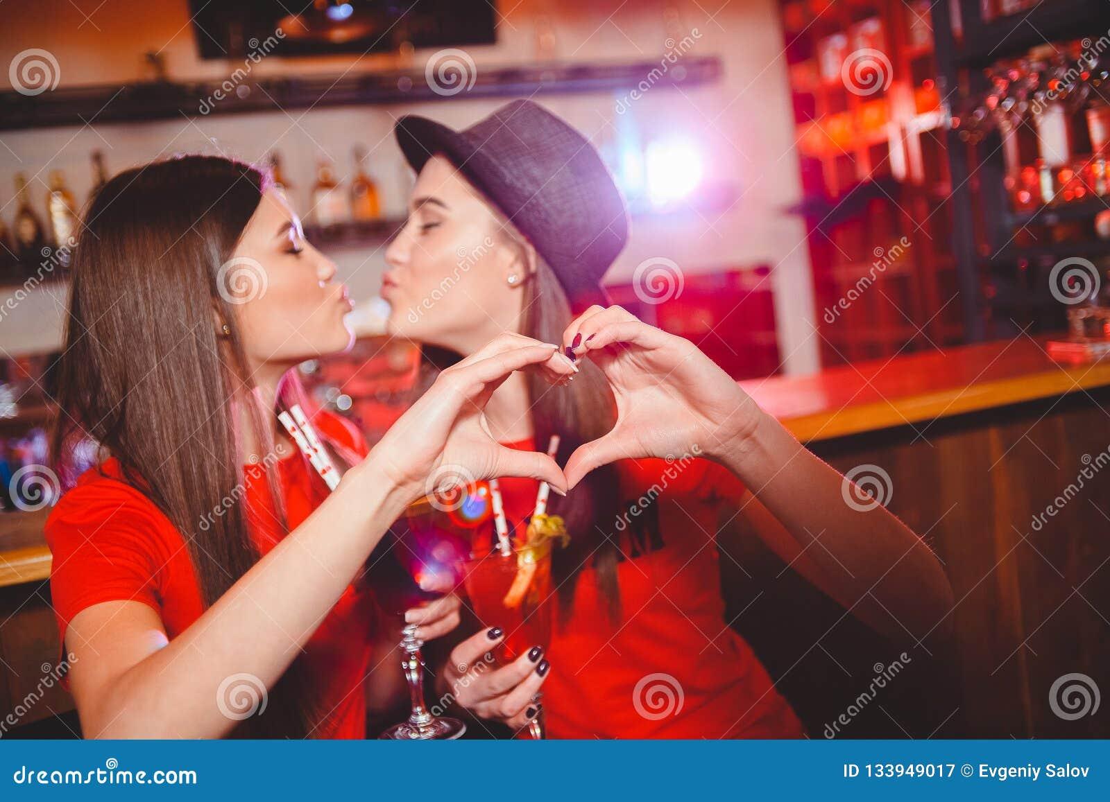 Mia Malkova Lesbian Kissing