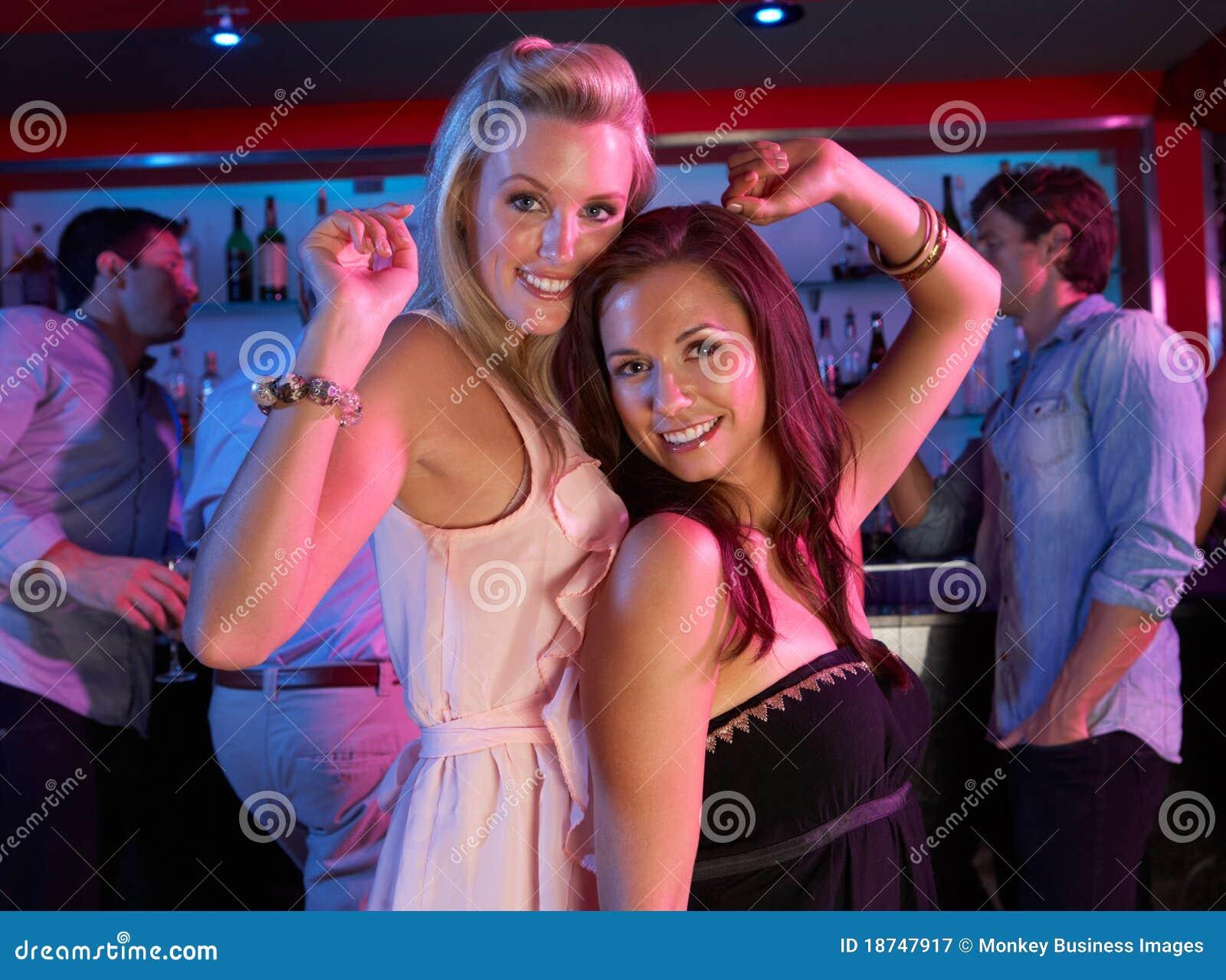 Фото девушек в ночных клубах 16 фотография
