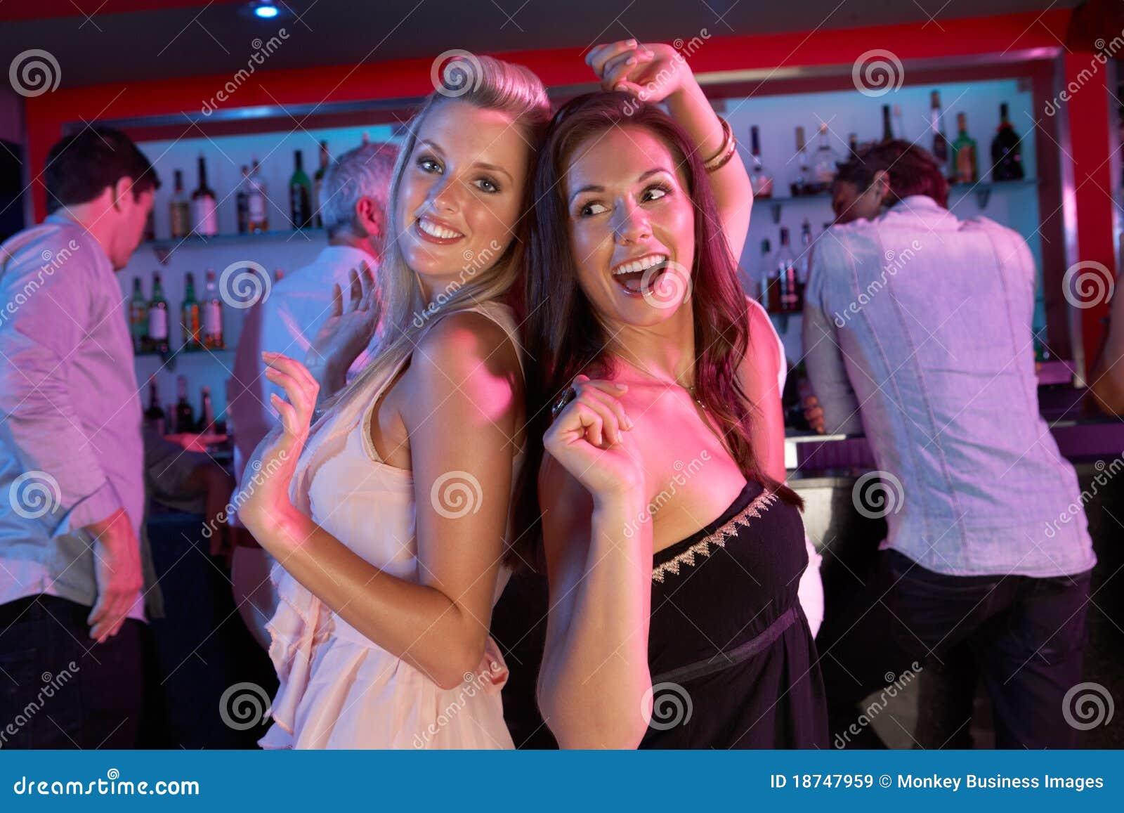 Уединились в клубе, На Вечеринке Уединились (найдено 81 порно видео.) 25 фотография