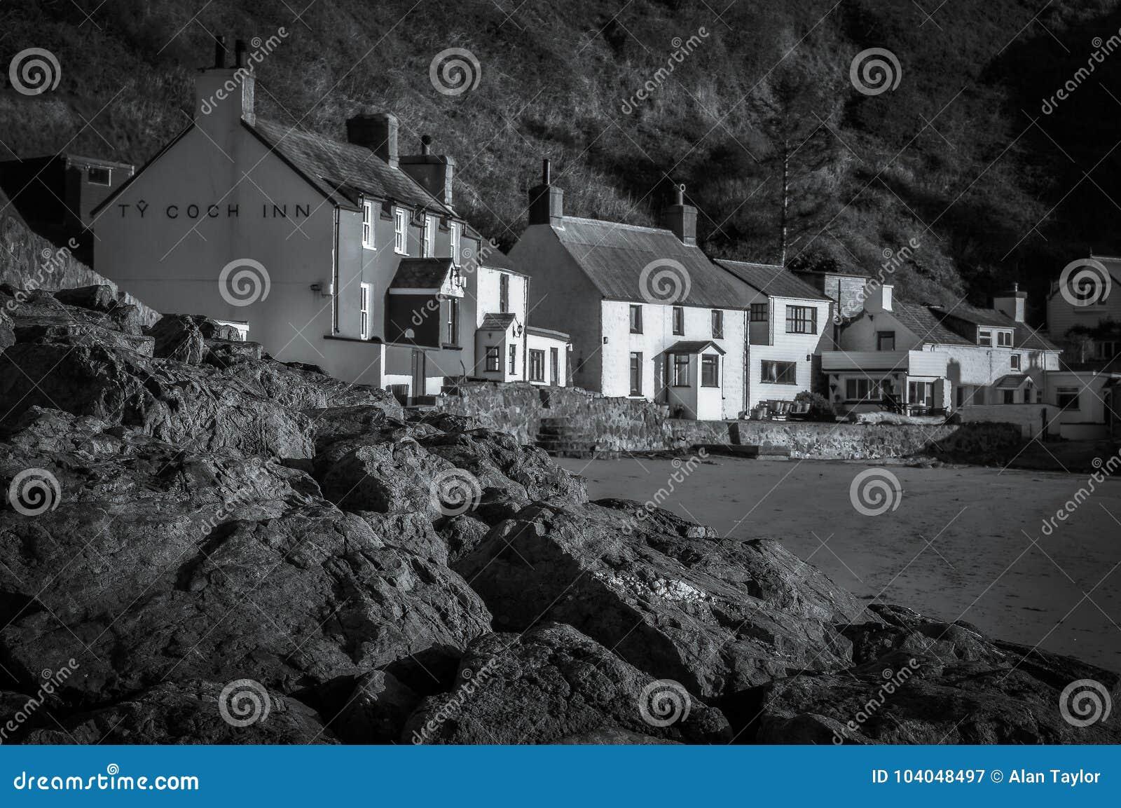 Ty Coch gästgivargård, Porthdinllaen, Wales