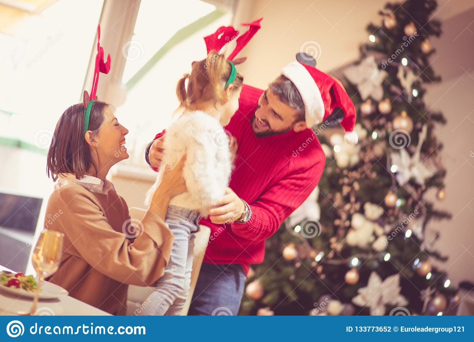 Ty jesteś troszkę pomagierem Święty Mikołaj