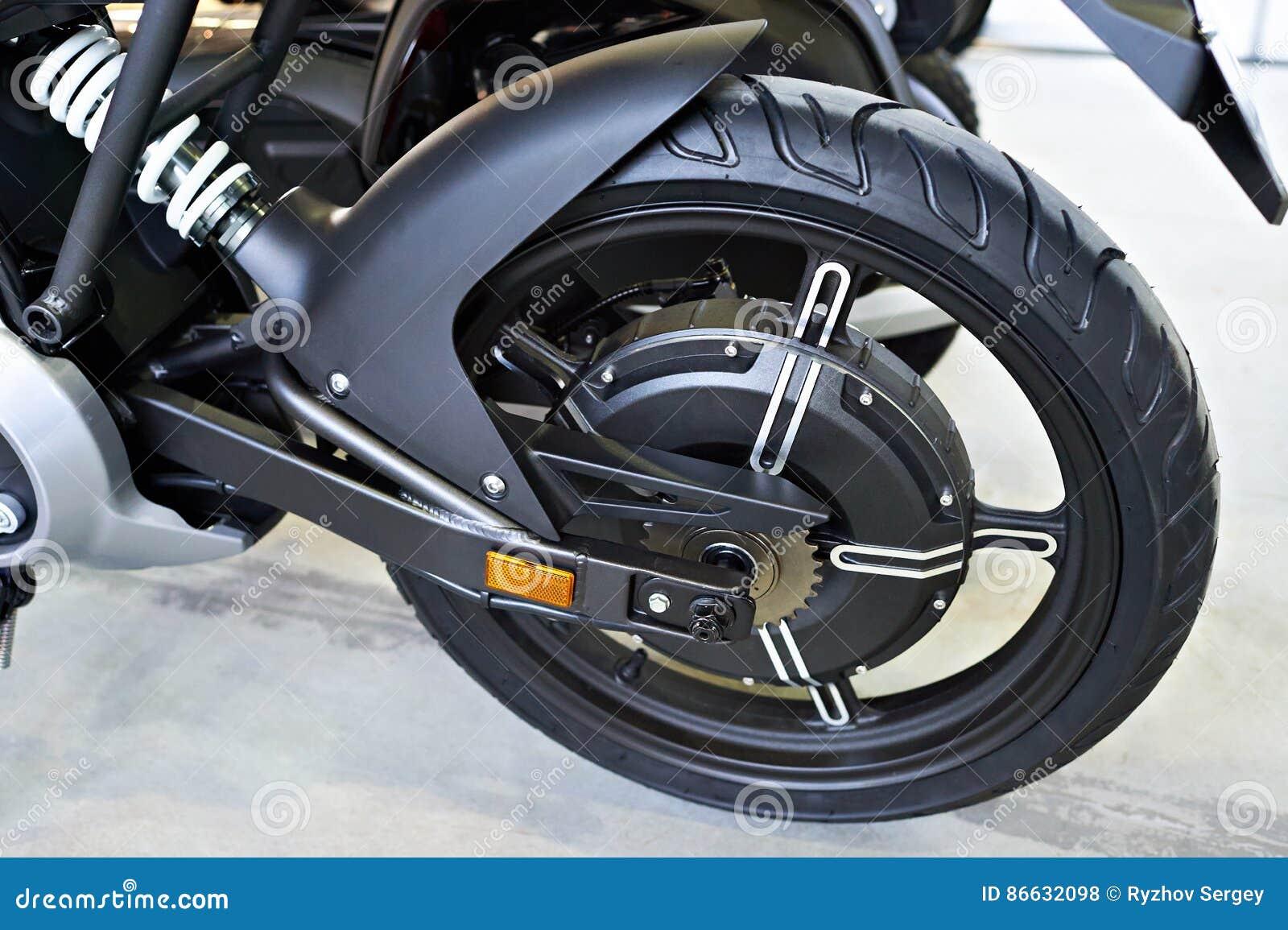 Tylni koła elektryczny motocykl z silnikiem inside