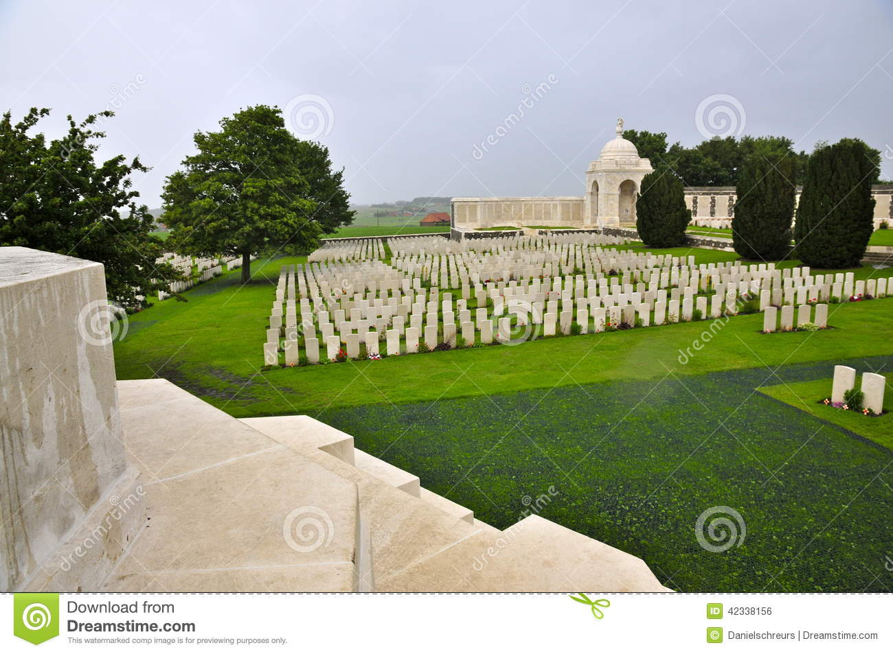 Tyne Cot Cemetery Overview