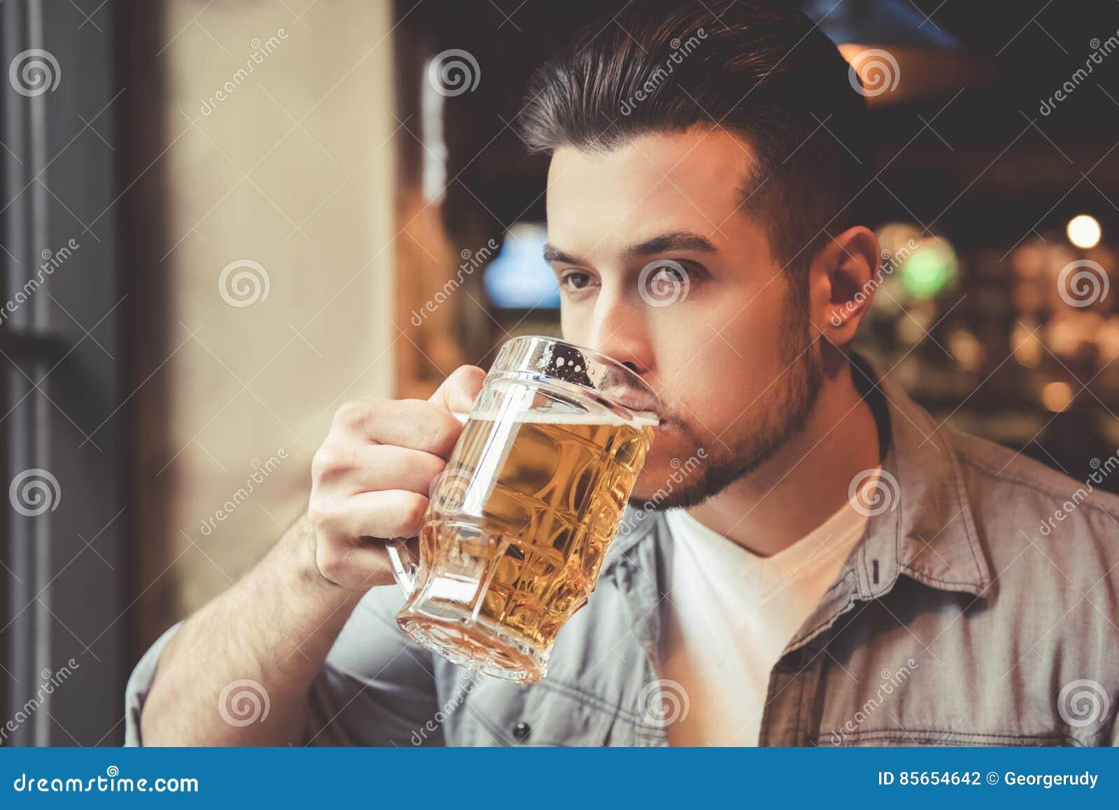 Type au bar