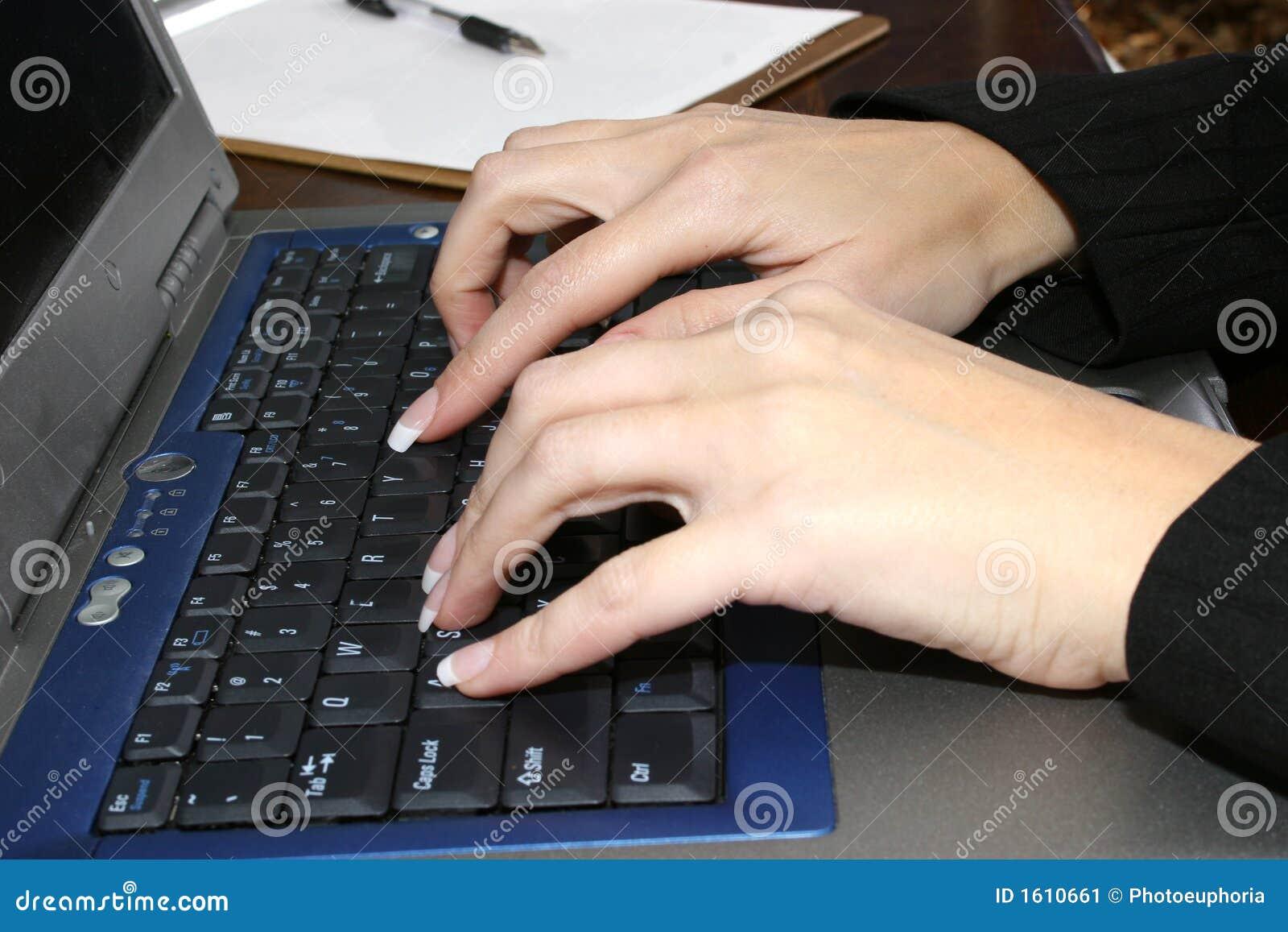 Typende Handen