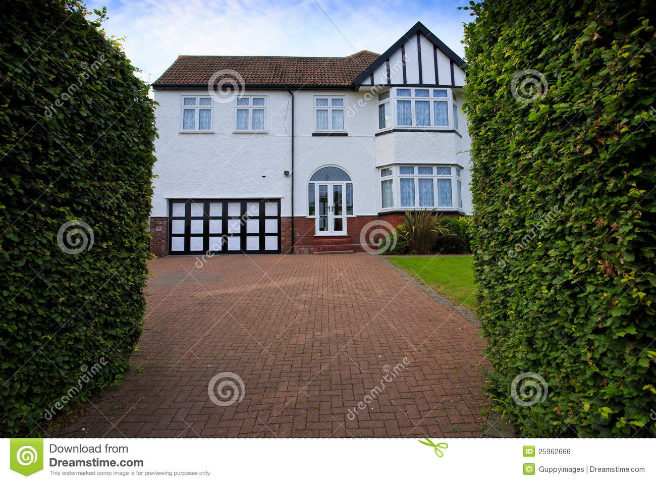 Typical 1930s white detatched house with driveway royalty for Garden design 1930