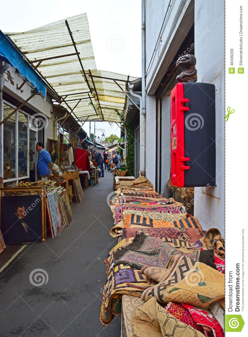 a typical alley sight of marche aux puces de saint ouen paris france editorial stock image. Black Bedroom Furniture Sets. Home Design Ideas