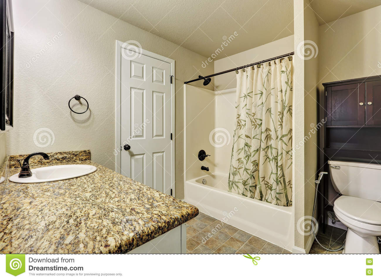 Typical american bathroom interior in small house stock for Petite salle de bain moderne