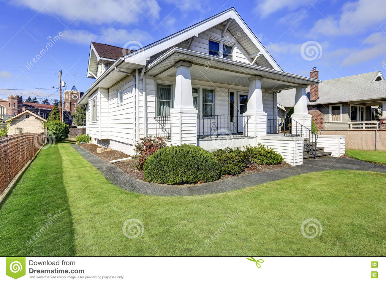 Covered front porch craftsman style home royalty free stock image - Royalty Free Stock Photo American Craftsman House Northwest Style White Estate Front