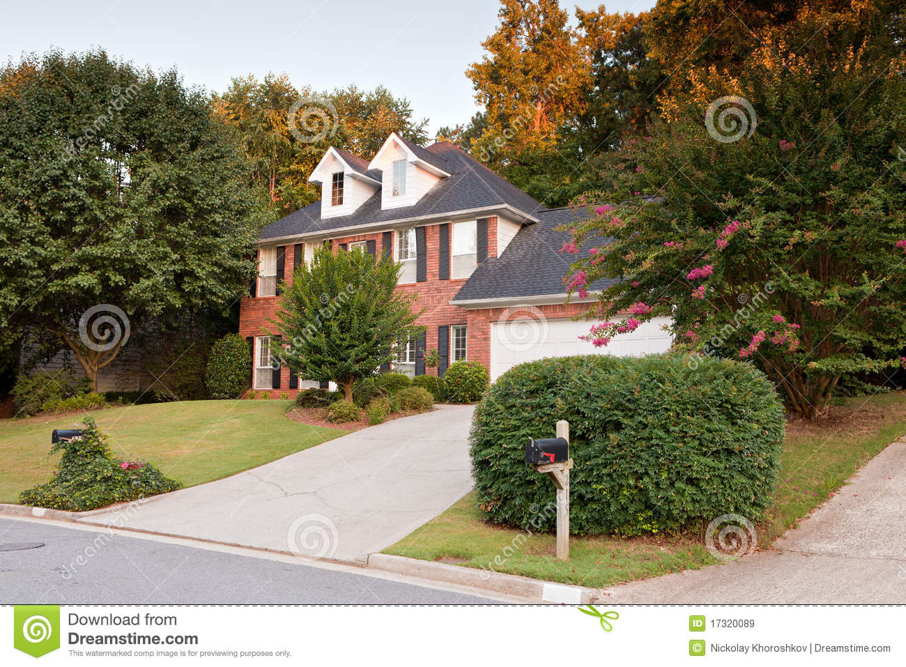 Download Typical american house stock image. Image of roof, yard - 17320089