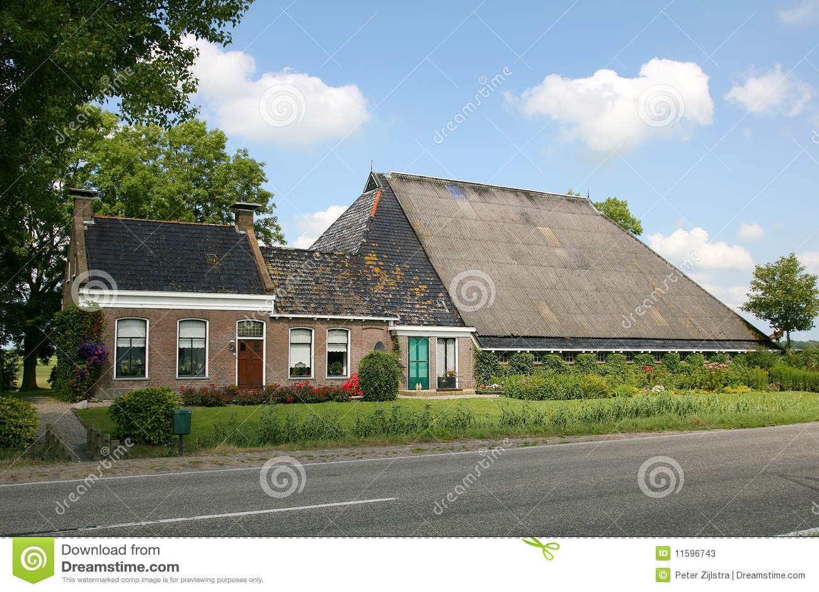 Typical dutch farmhouse stock photos image 11596743 for Farm house netherlands