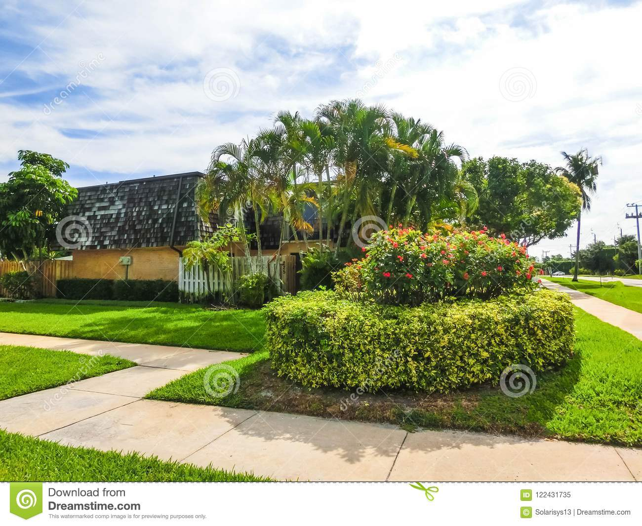 Typical Florida Home In The Countryside With Palm Trees Tropical
