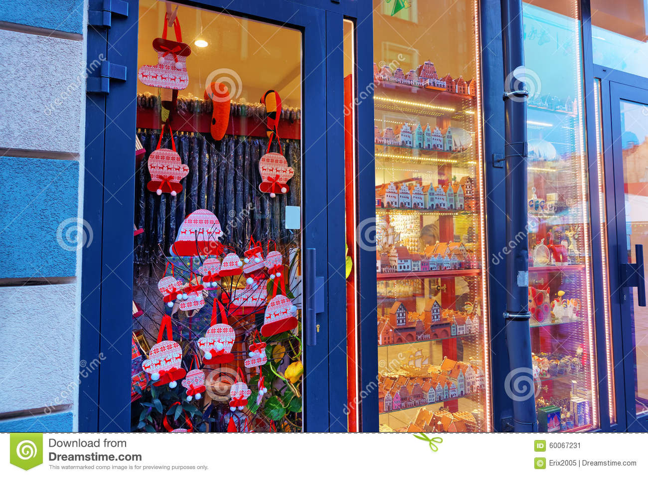 Typical Gift Shop Window At Christmas Editorial Photo - Image of ...