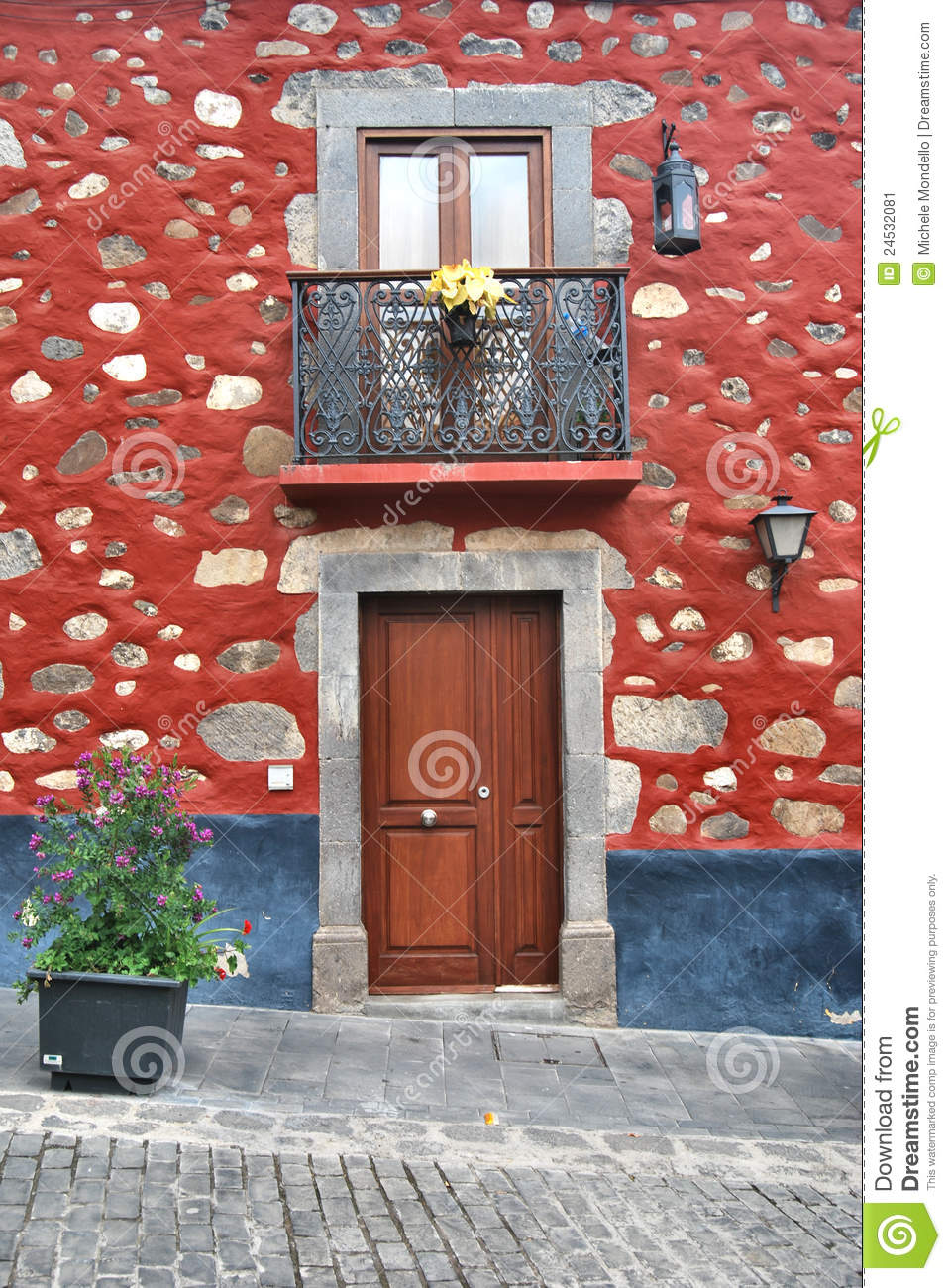 Typical house in gran canaria stock image image 24532081 - Houses in gran canaria ...