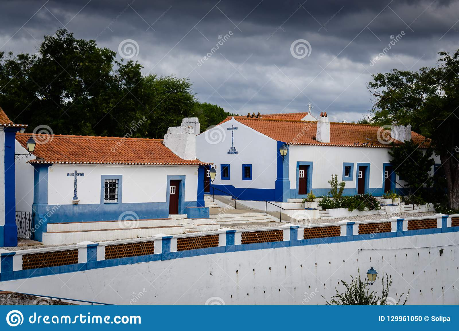 Typical whitewashed terraced cottages in the picturesque historic village of Coruche. Santarem, Ribatejo, Portugal.