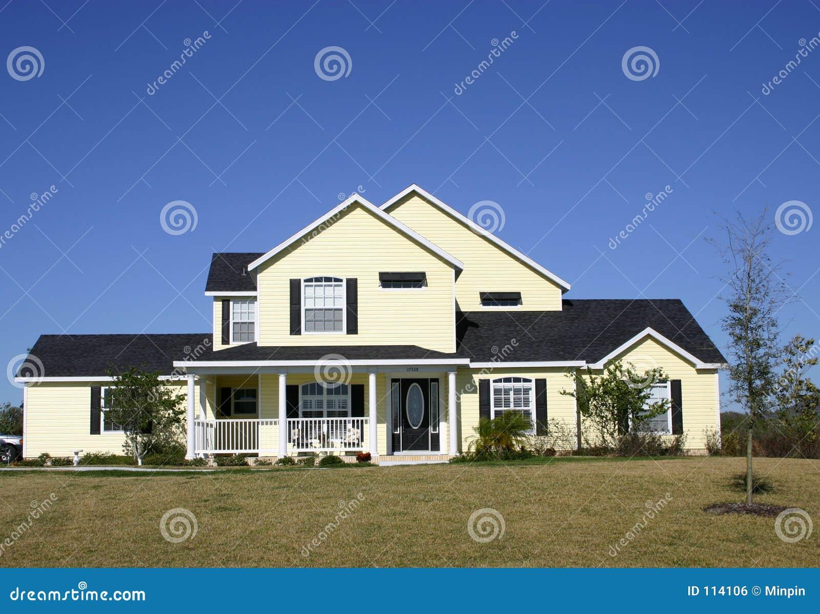 Typisch amerikaans huis stock foto afbeelding bestaande for Foto di case americane