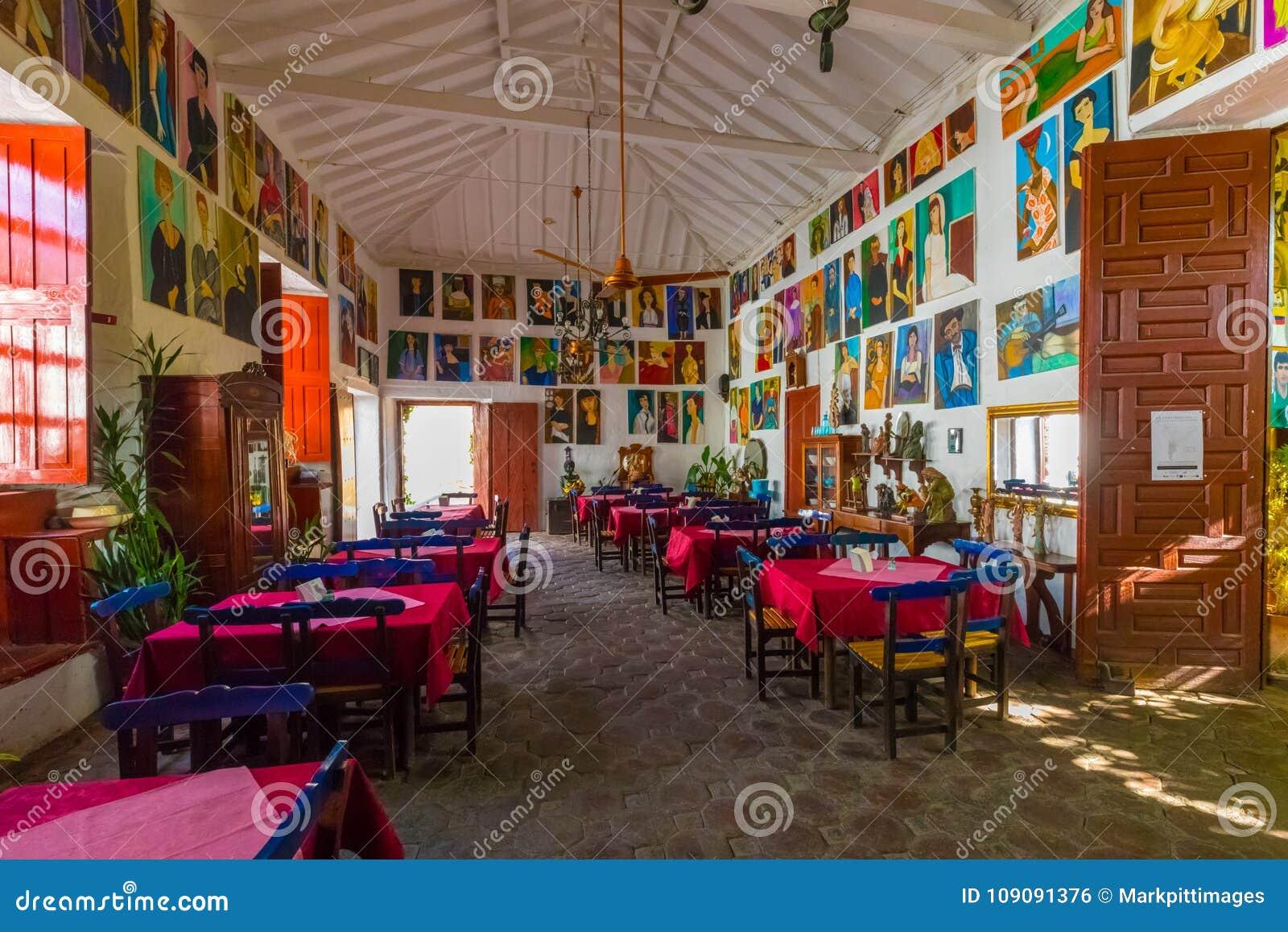 Typisch historisch restaurant in de stad van Santa Fe van Antioquia