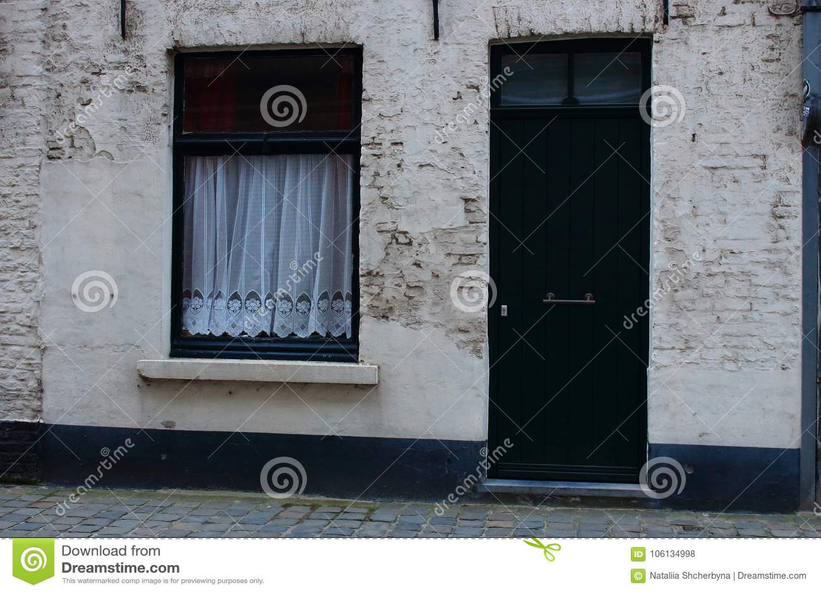 Gordijn Voor Deur : Typische middeleeuwse de bouwvoorgevel in europa groen houten