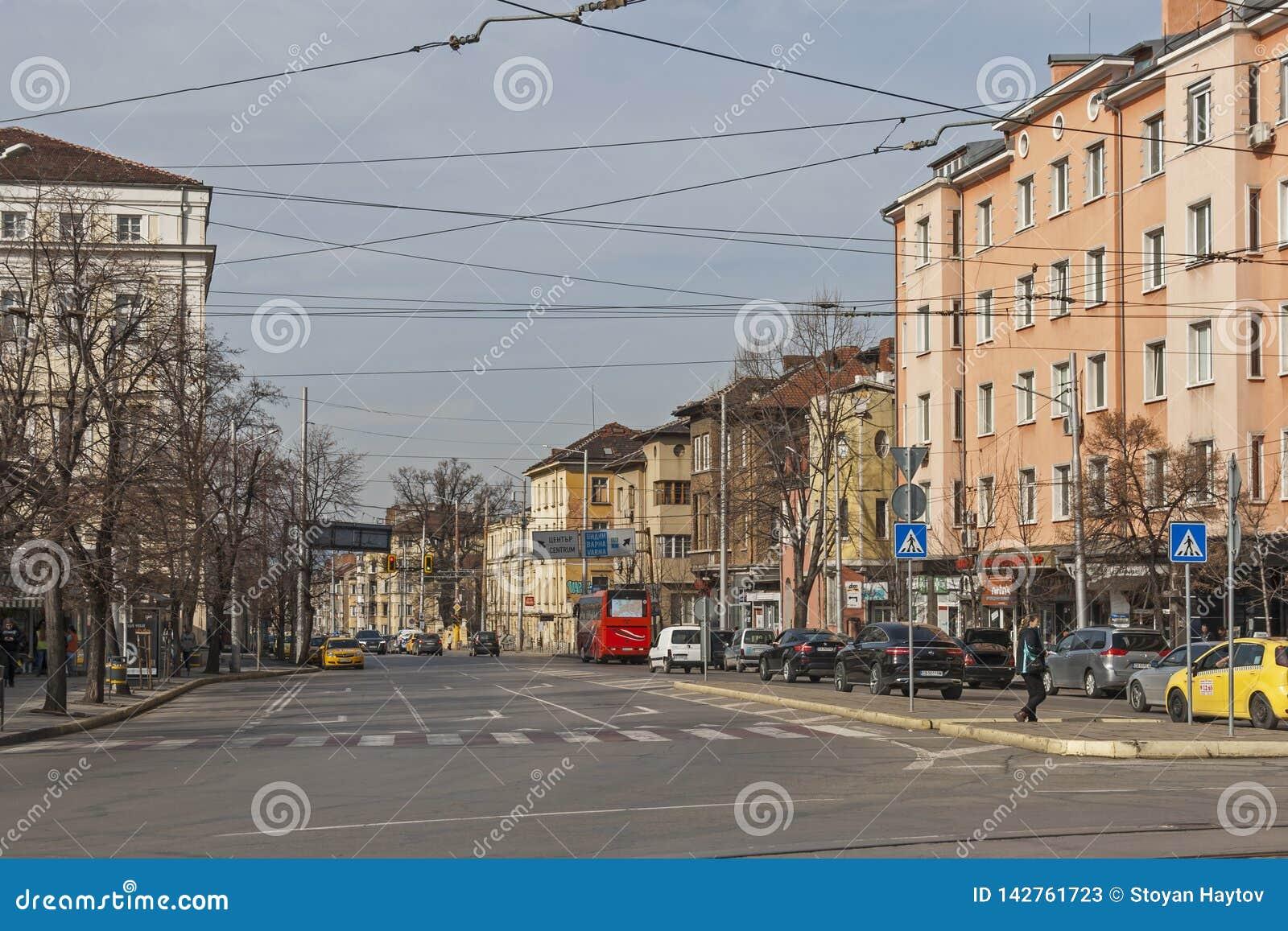 Typisches Geb?ude und Stra?e in der Mitte der Stadt von Sofia, Bulgarien