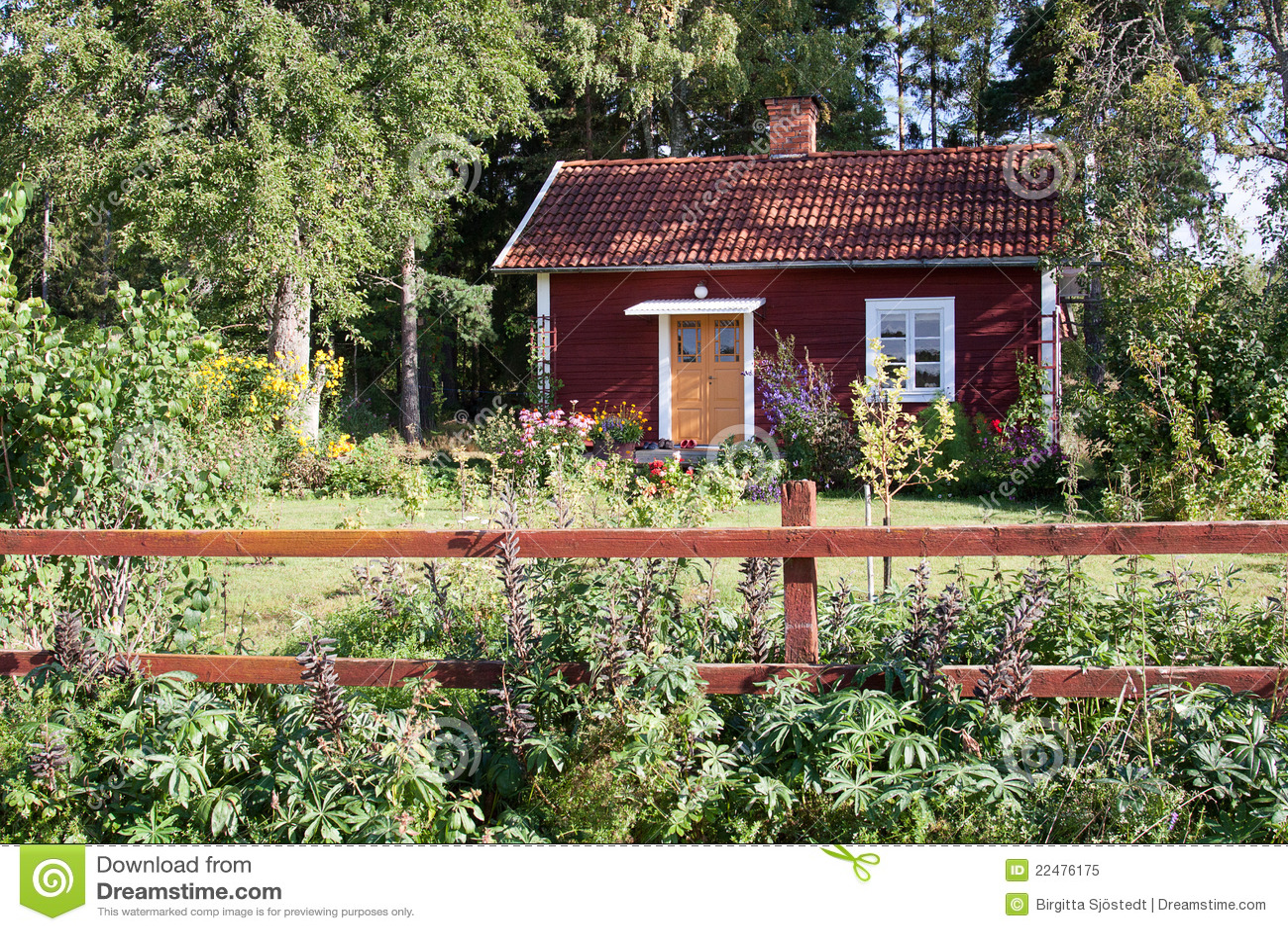 typisches rotes sommerhaus in schweden stockbild bild. Black Bedroom Furniture Sets. Home Design Ideas