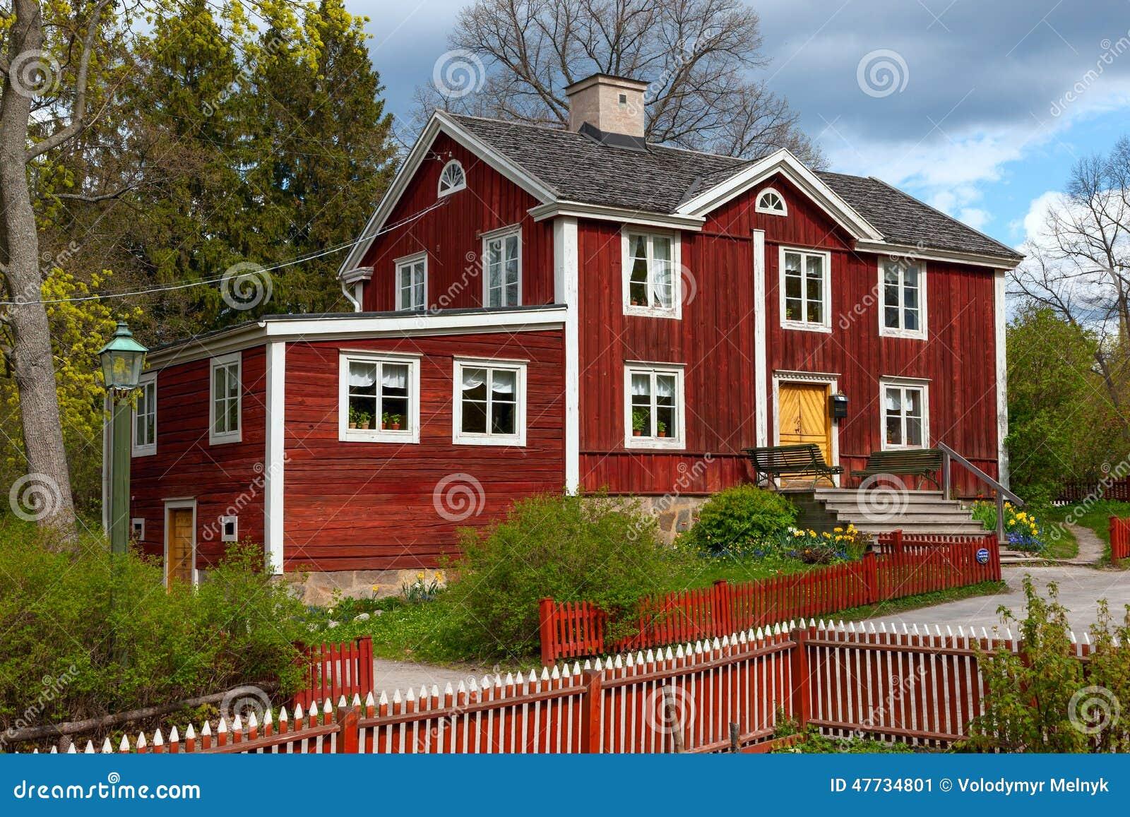 typisches schwedisches holzhaus stockholm stockfoto bild 47734801. Black Bedroom Furniture Sets. Home Design Ideas