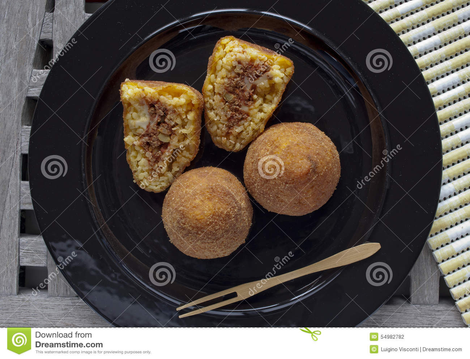Typisk italiensk mat: sicilian mat kallade arancini