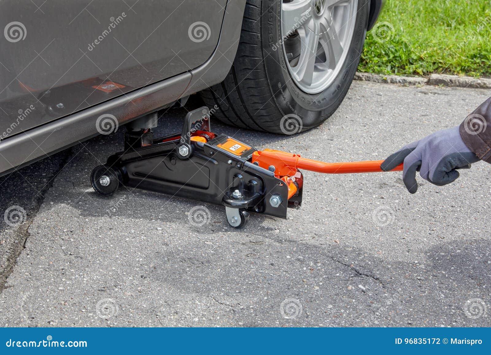 Tyre Change Car Jack Hydraulic Floor Lifting Repair Tool Kit Stock