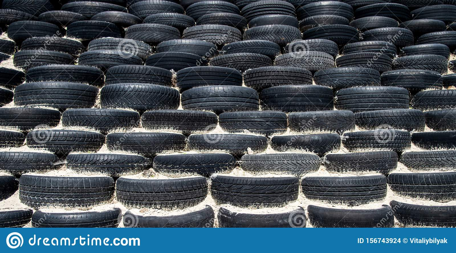 Tyre wall for sports and competition.