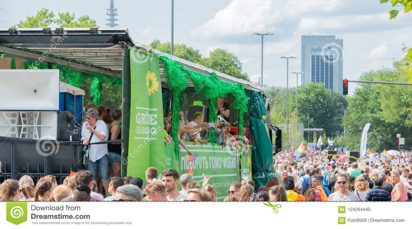 Tyskland Hamburg - Augusti 4, 2018: Christopher gatadag Förälskelse ståtar i Hamburg