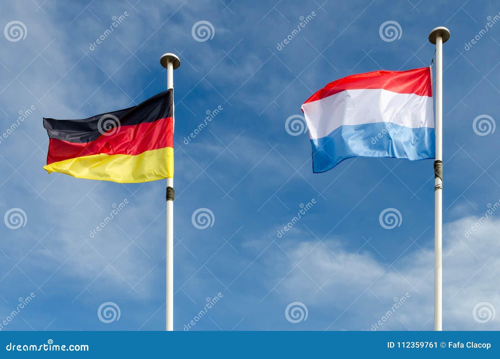 Tyskland och Luxemburg flaggor