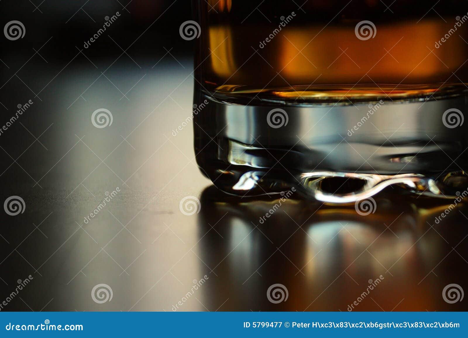 Uísque no vidro