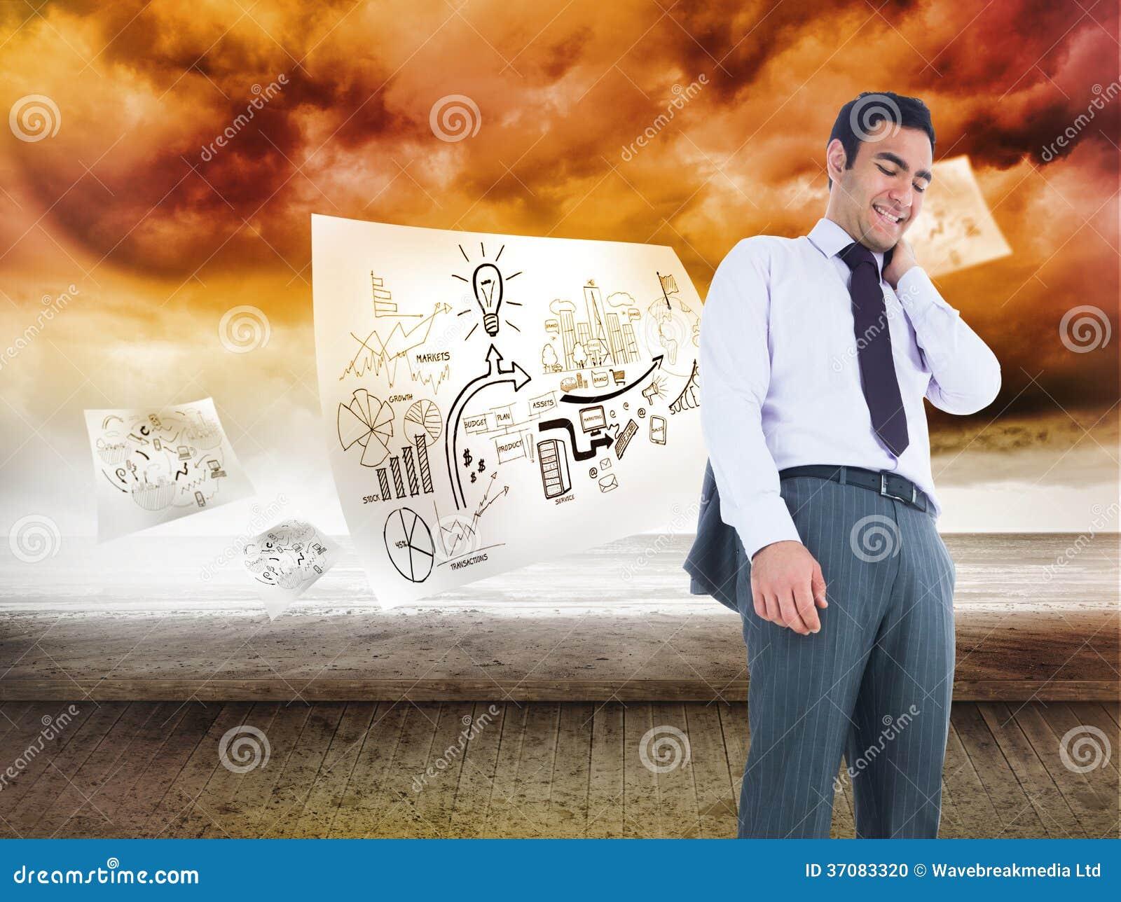 Download Uśmiechnięta Biznesmen Pozycja Zdjęcie Stock - Obraz złożonej z pokój, plany: 37083320