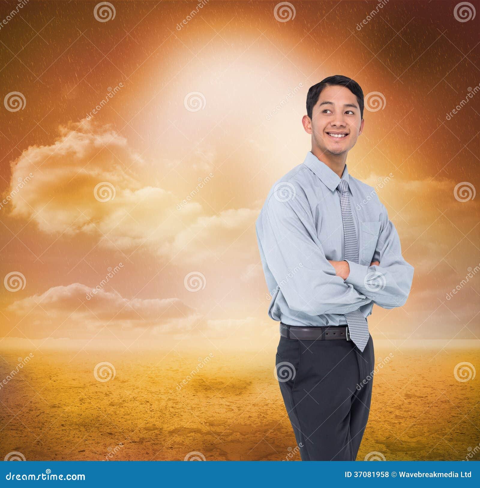 Download Uśmiechnięty Azjatykci Biznesmen Zdjęcie Stock - Obraz złożonej z koszula, niebo: 37081958