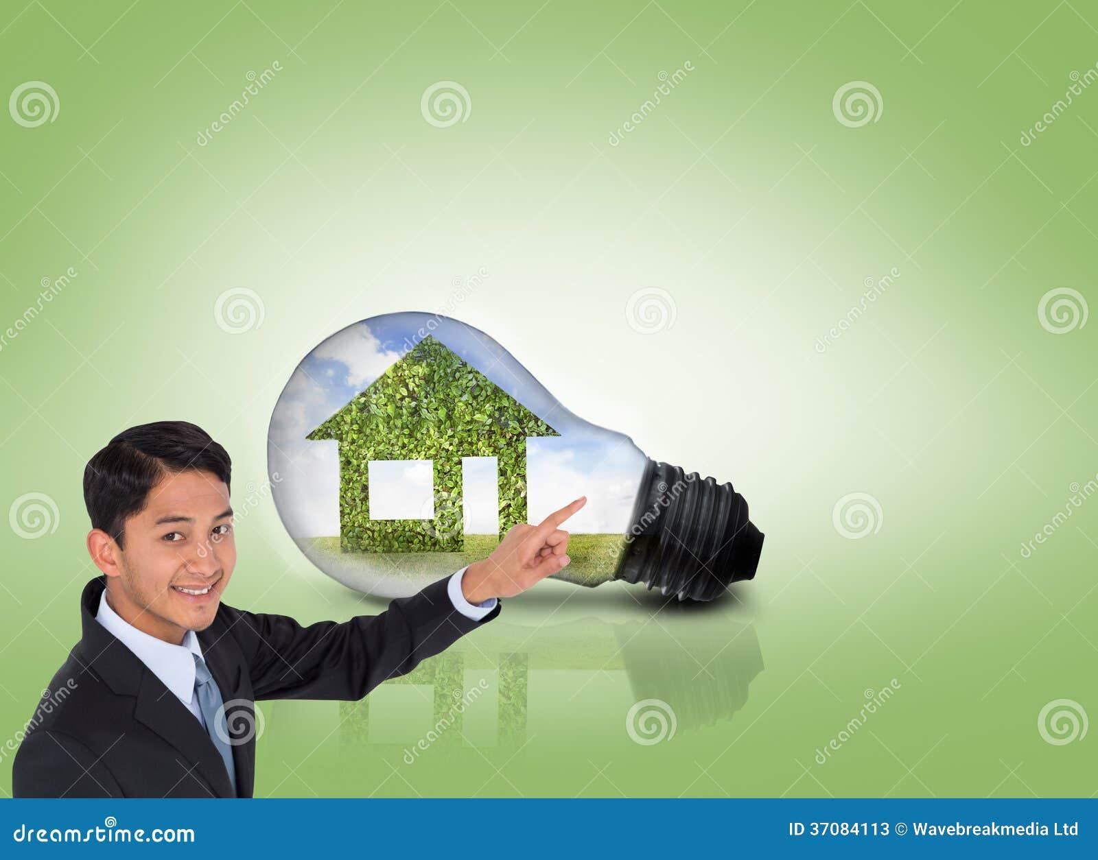 Download Uśmiechnięty Azjatykci Biznesmena Wskazywać Obraz Stock - Obraz złożonej z wytwarza, chmura: 37084113