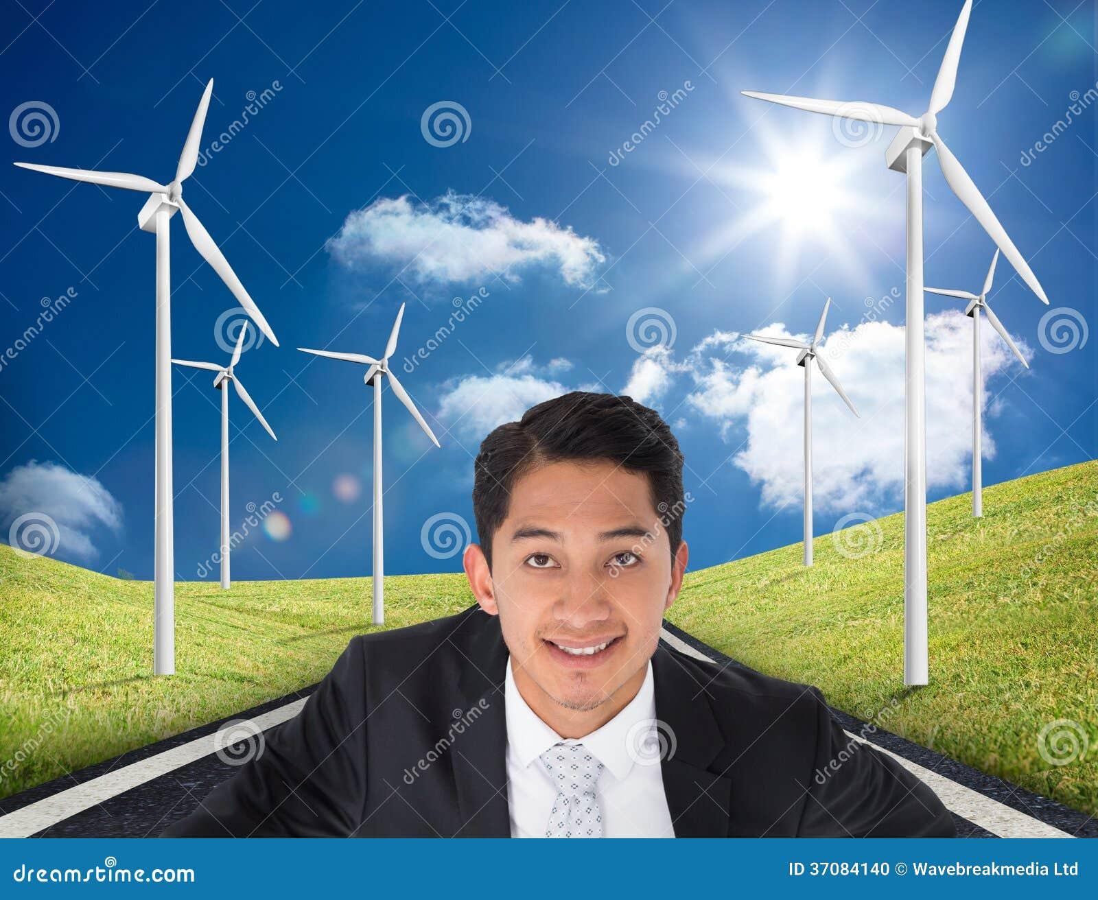 Download Uśmiechnięty Azjatykci Biznesmena Wskazywać Zdjęcie Stock - Obraz złożonej z droga, wytwarza: 37084140