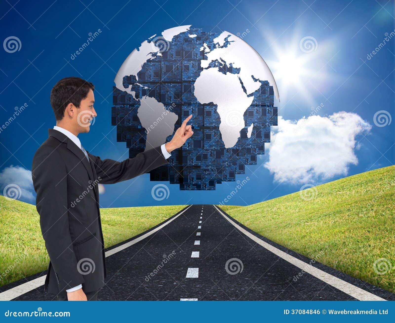 Download Uśmiechnięty Azjatykci Biznesmena Wskazywać Zdjęcie Stock - Obraz złożonej z shinny, international: 37084846