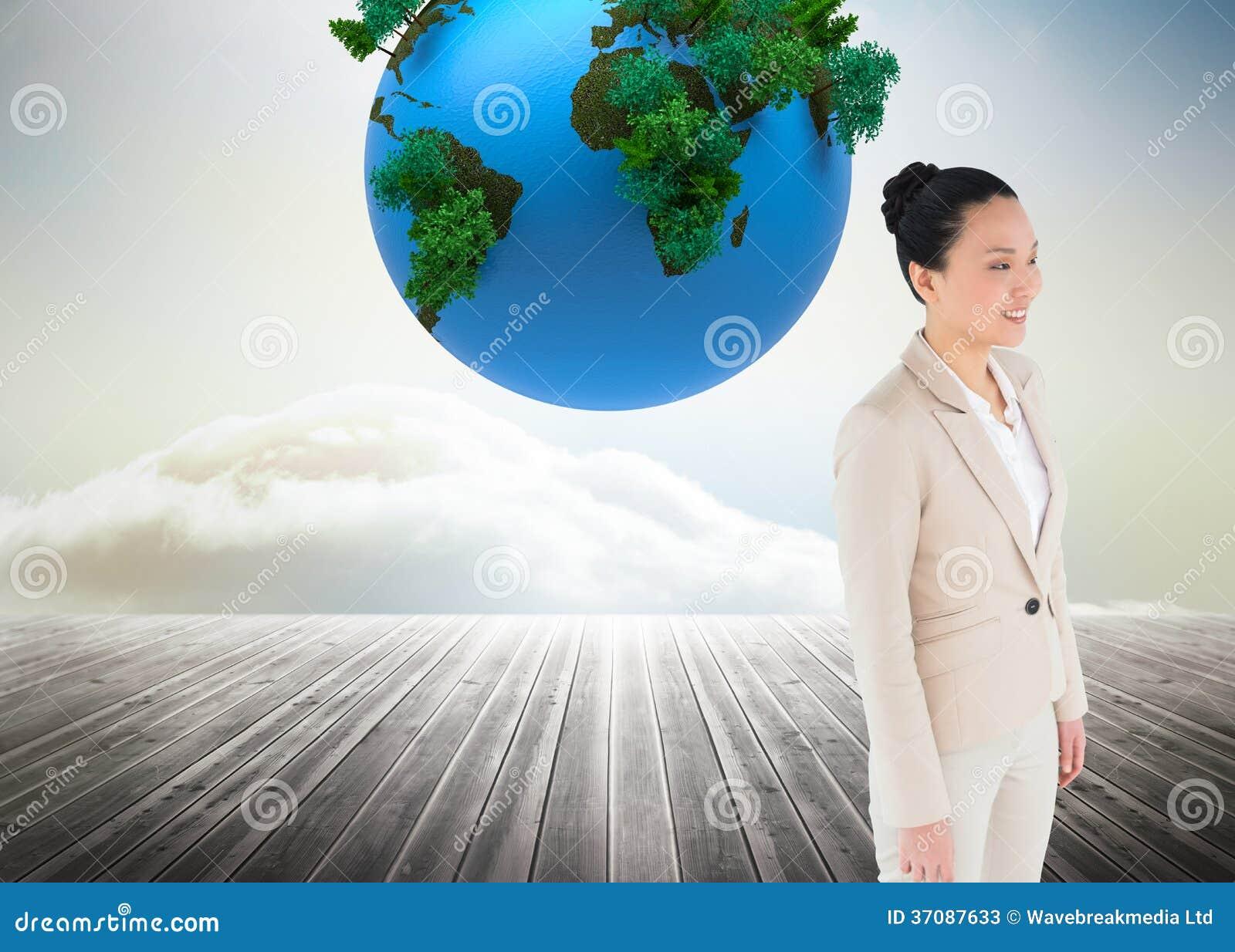 Download Uśmiechnięty Azjatykci Bizneswoman Obraz Stock - Obraz złożonej z azjata, planeta: 37087633