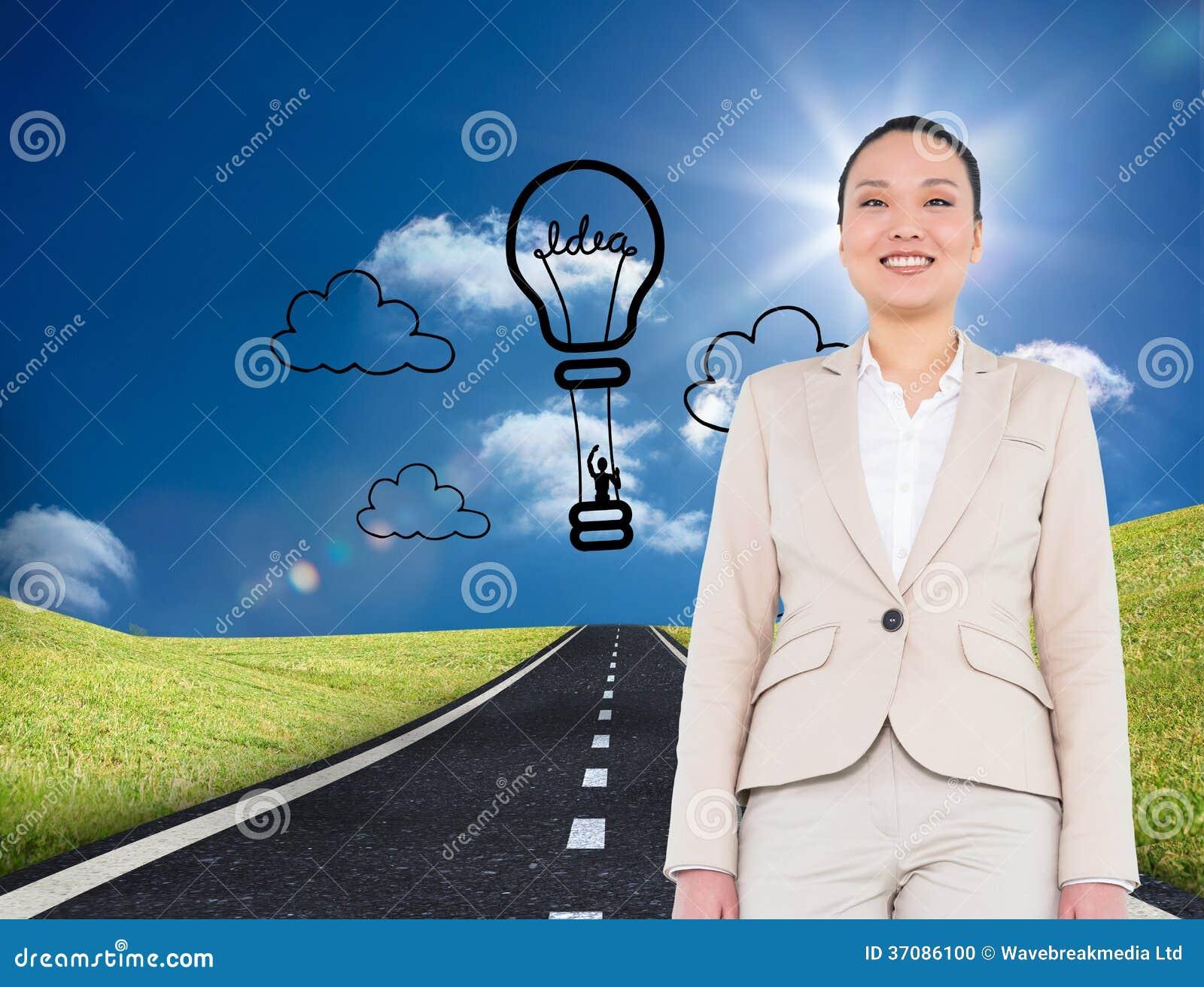 Download Uśmiechnięty Azjatykci Bizneswomanu Odprowadzenie Zdjęcie Stock - Obraz złożonej z komputer, gorący: 37086100