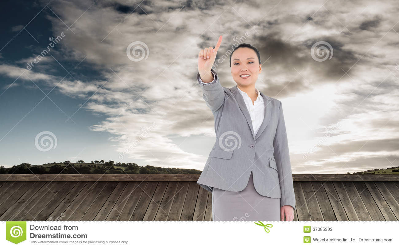 Download Uśmiechnięty Azjatykci Bizneswomanu Wskazywać Obraz Stock - Obraz złożonej z kobiety, sunshine: 37085303