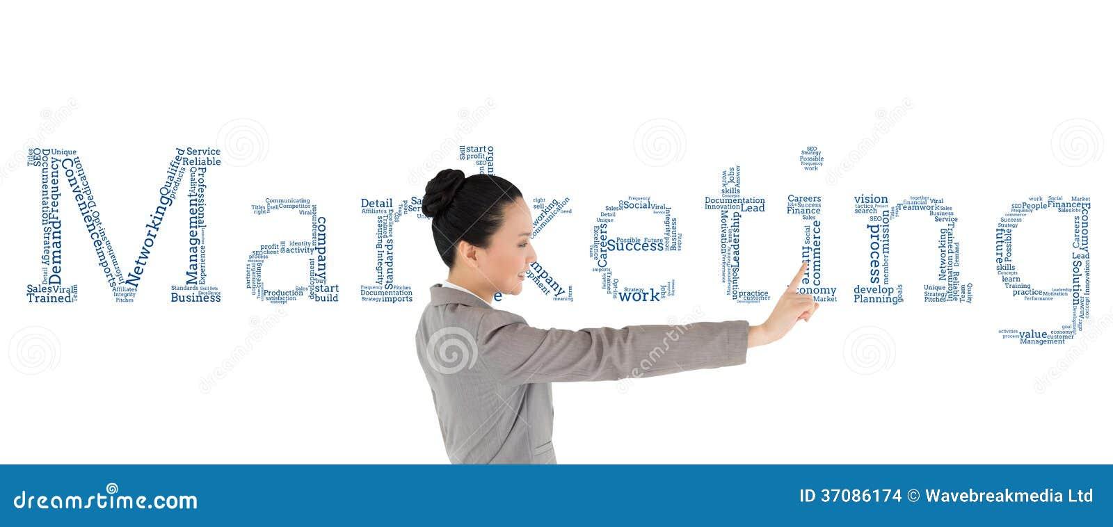 Download Uśmiechnięty Azjatykci Bizneswomanu Wskazywać Zdjęcie Stock - Obraz złożonej z pisownia, proces: 37086174