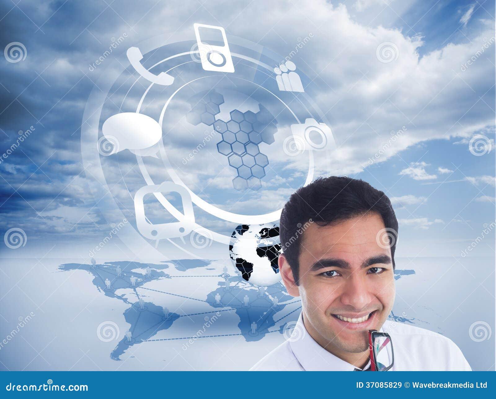 Download Uśmiechnięty Biznesmen Trzyma Szkła Ilustracji - Ilustracja złożonej z niebo, technologia: 37085829
