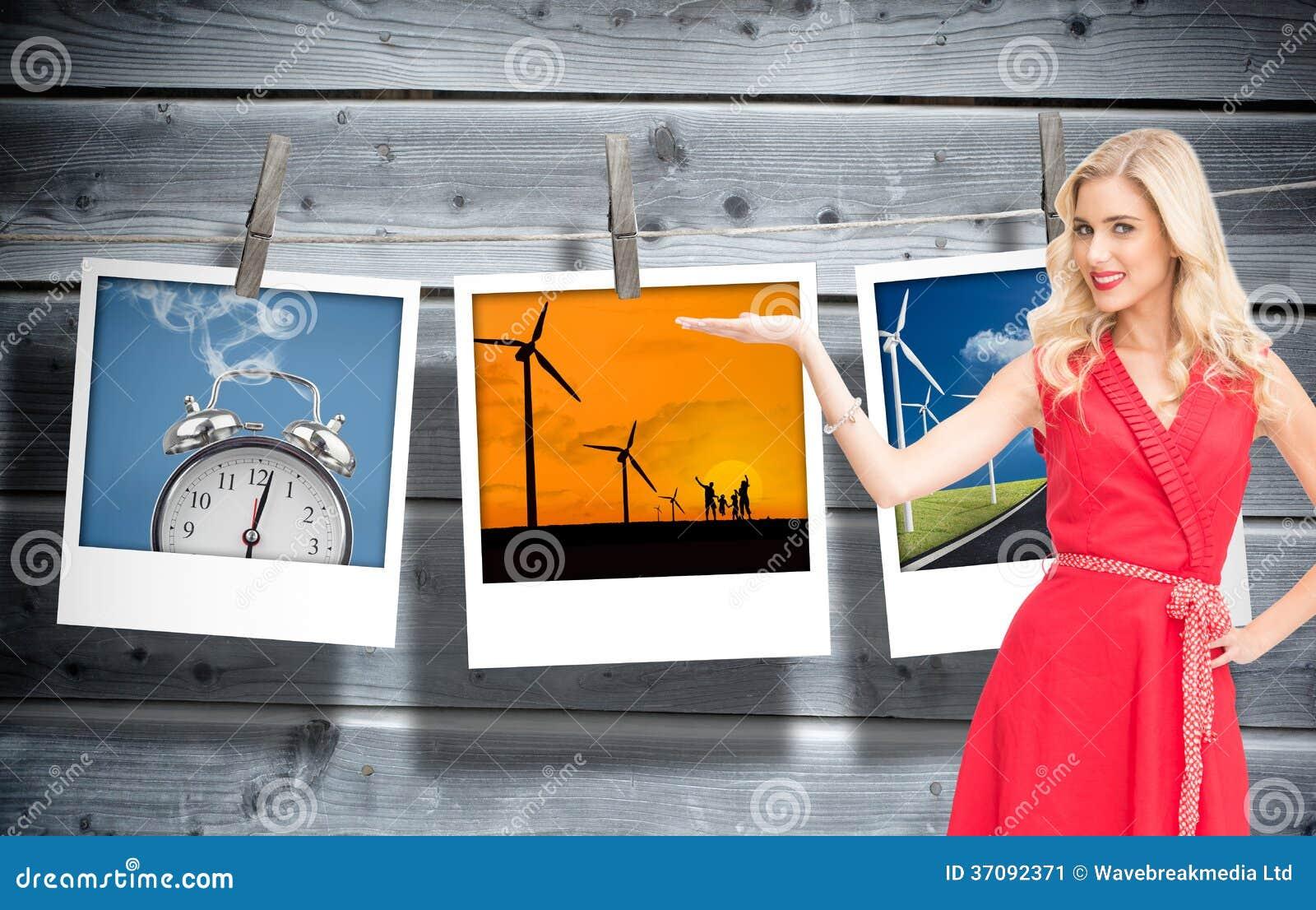 Download Uśmiechnięty Blondynki Przedstawiać Obraz Stock - Obraz złożonej z wiatraczek, biznesmen: 37092371