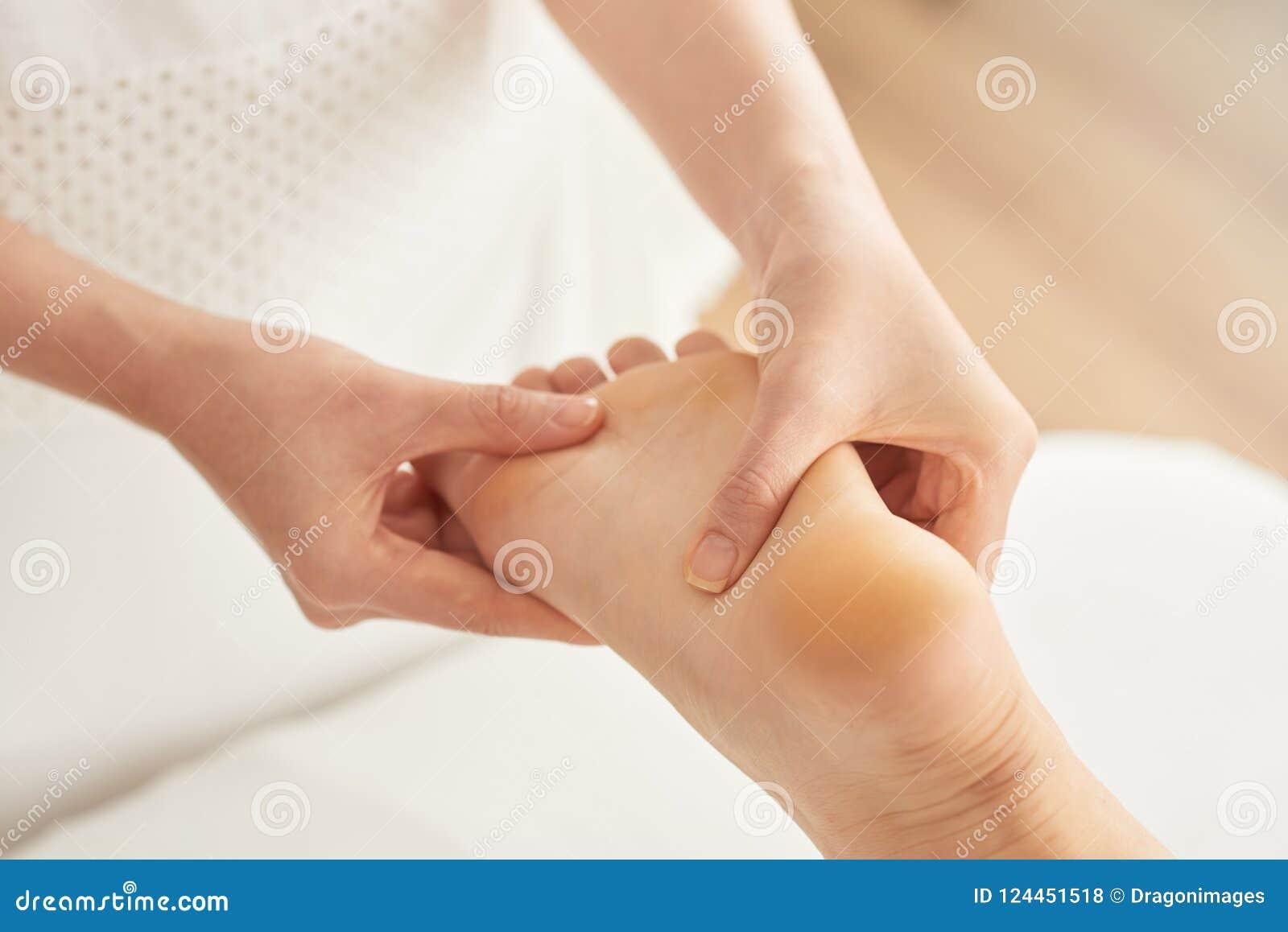 Uśmierzać cieki masaż