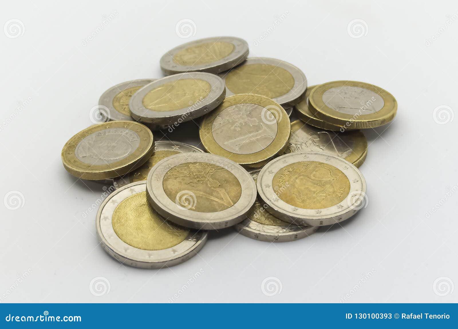 Używać euro waluta na białym backgroud
