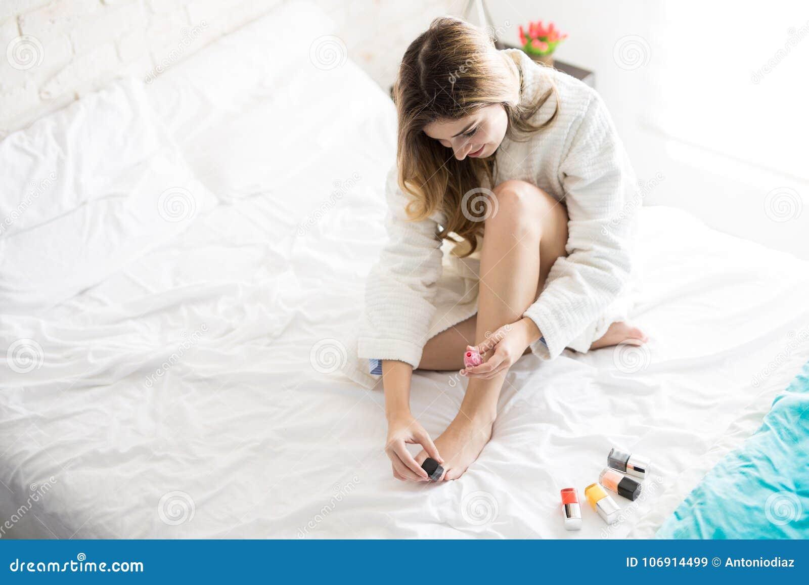 Używać gwoździa połysk na ona palec u nogi