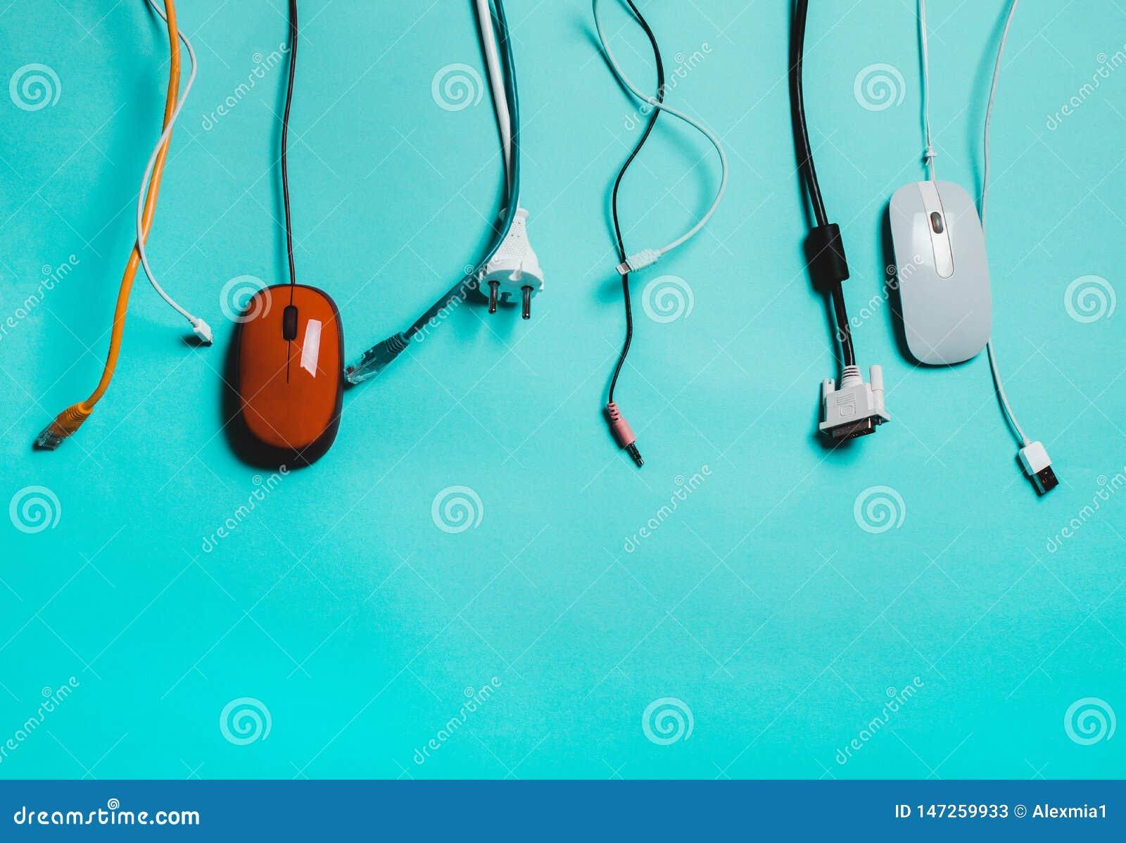 Używać sznury, kabel, usb Pojęcie zanieczyszczenie ekologia, natura